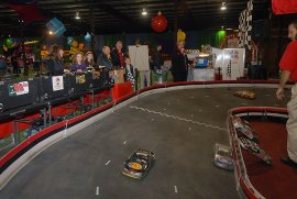Remote Control Car Racetrack/Race Car Simulator Ride